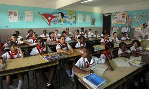 En el aula. Foto: Ismael Francisco/Cubadebate