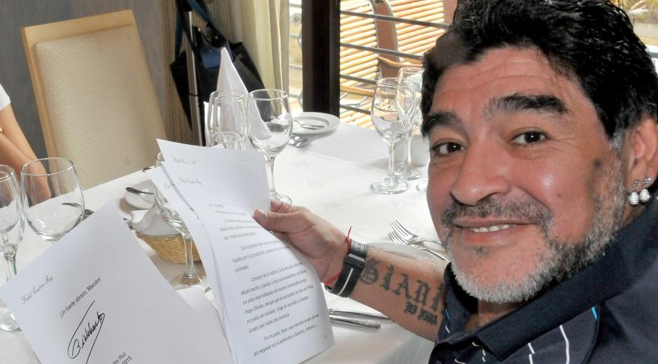 Diego Maradona und Brief von Fidel