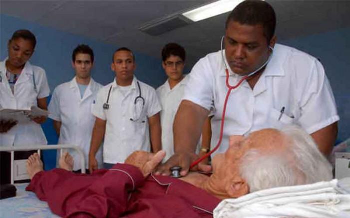 medicos-cubanos-701x436